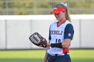 Softball wins 16-1 against Mississippi Gulf Coast CC on October 25, 2016.