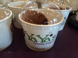 Yaya's Frozen Yogurt